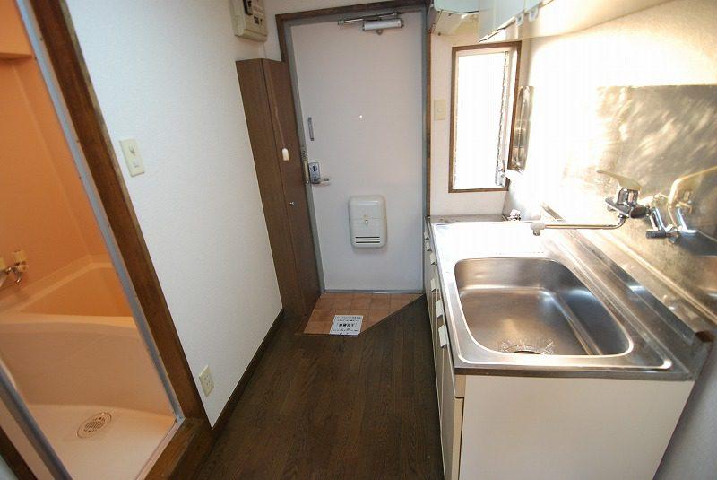 301 明るいキッチン(ガスコンロ設置可)